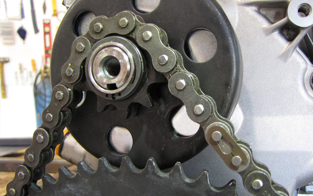 chain installed on sprocket and clutch